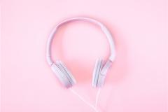 headphones-2592263_1920